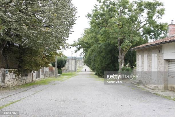 Rue du village le 16 septembre 2011 OradoursurGlane HauteVienne Limousin Le nom d'OradoursurGlane reste attache au massacre de sa population par la...