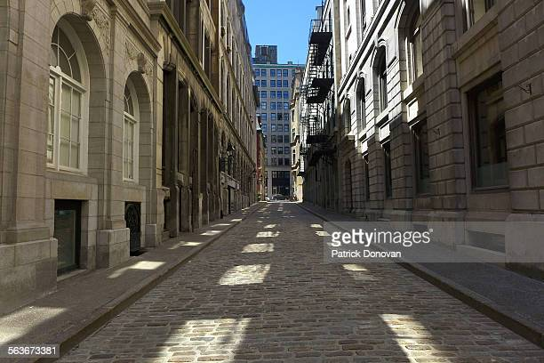 rue saint-alexis, old montreal, quebec, canada - vieux montréal stock pictures, royalty-free photos & images