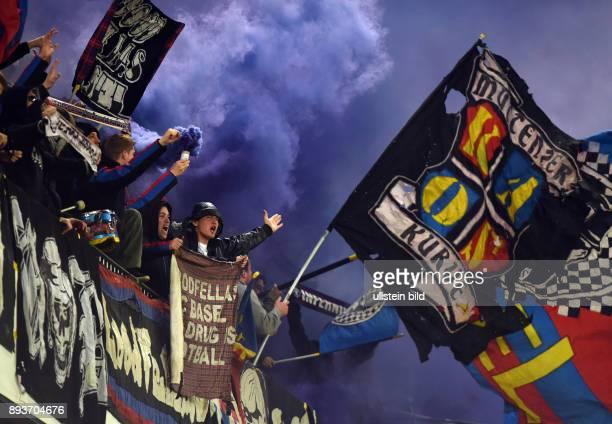 FUSSBALL INTERNATIONAL UEFA EUROPA LEAGUE ACHTELFINALE Rueckspiel Saison 2013/2014 Red Bull Salzburg FC Basel Ultras des FC Basel vor dem Spiel