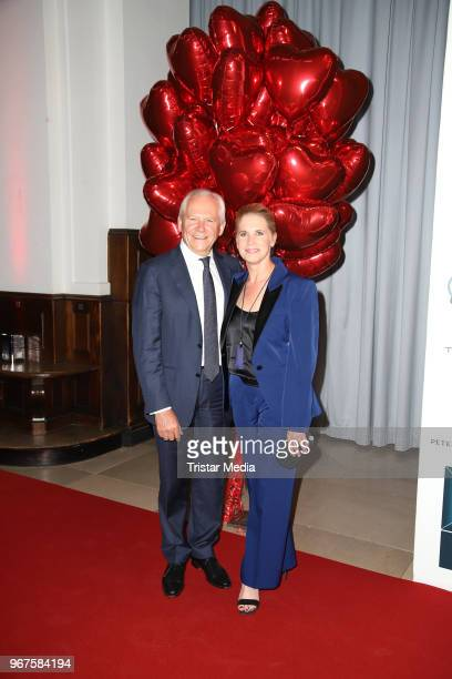 Ruediger Grube and his wife Cornelia Poletto attend the Charity Gala 'Das Herz im Zentrum' on June 4 2018 in Hamburg Germany