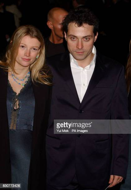 Rufus Sewell and Amy Gardner arriving at the Odeon Leicester Square in London for the world premiere of Lord of the Rings The Fellowship of the Ring