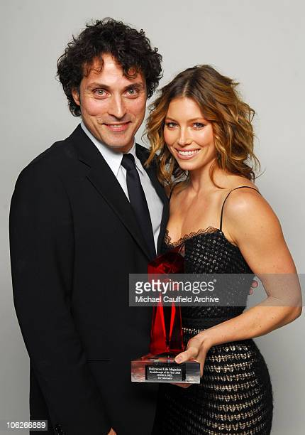 Rufus Sewell presenter and Jessica Biel winner Breakthrough Award for The Illusionist