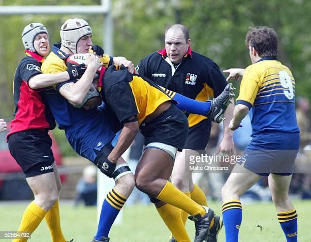 Rugby: 6 Nationen Turnier 2004, Hannover; Deutschland - Schweden ; Die schweden im Angriff Jan BRATSCHKE / DEU, Hannes ERIKSSON /SWE 25.04.04.