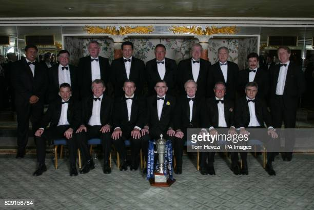 BBC rugby commentator Bill Mclaren posses with his all time best world team LR front row Rob Andrew Graham Price Sean Fitzpatrick Bill McLaren Mike...