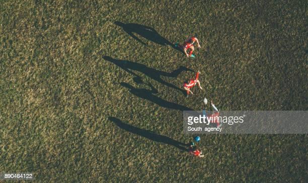 上からラグビーの試合 - ラグビー場 ストックフォトと画像