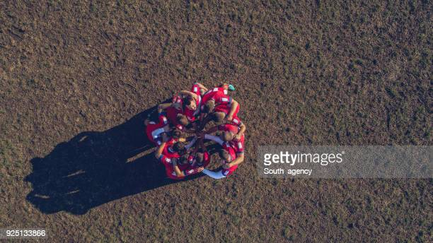 rugby team on the field - rugby team stock pictures, royalty-free photos & images