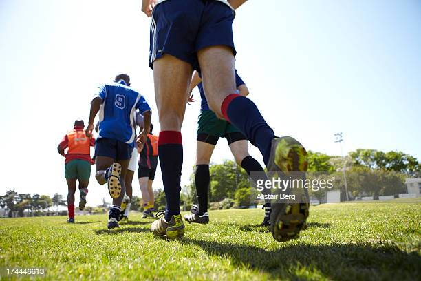 rugby team training - rugby union photos et images de collection