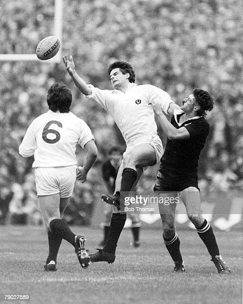 Rugby Union International 12th November 1983 Murrayfield Scotland 25 v New Zealand 25 Scotland's John Beattie reaches the ball under pressure from...
