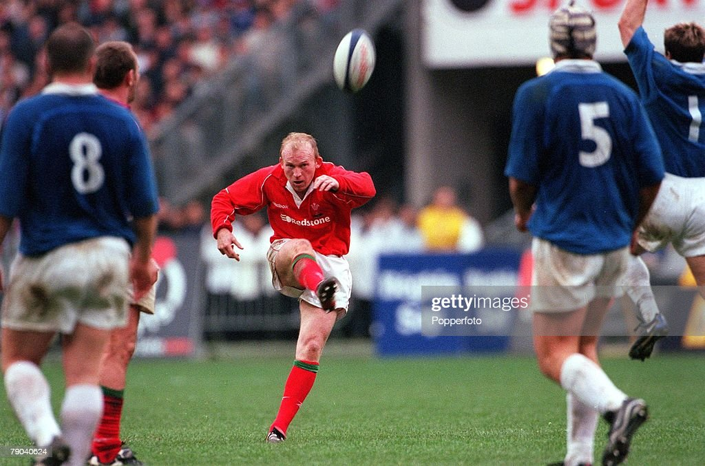Rugby Union International. Six Nations Championships. Paris. 17th March 2000. France 35 v Wales 43. Welsh stand off Neil Jenkins kicking a penalty to give his side the lead late in the game. : News Photo