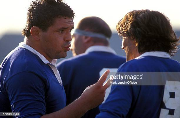 Rugby World Cup 1991 Italy v New Zealand Giovanni Grespan talks to Ivan Francescato