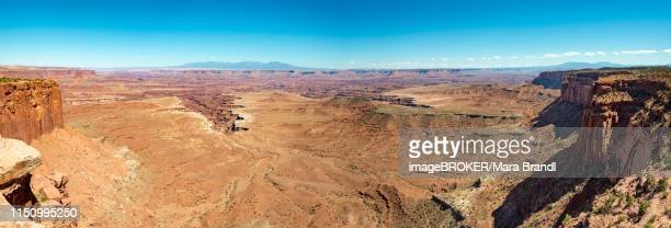 rugged gorges of the green river, canyon landscape, erosion landscape, rock formations, monument basin, white rim, island in the sky, canyonlands national park, utah, usa - islands in the sky stock pictures, royalty-free photos & images