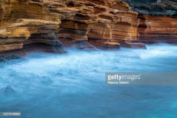 rugged rock coast, costa del silencio, montana amarilla, tenerife, canary islands, spain - tenerife stockfoto's en -beelden