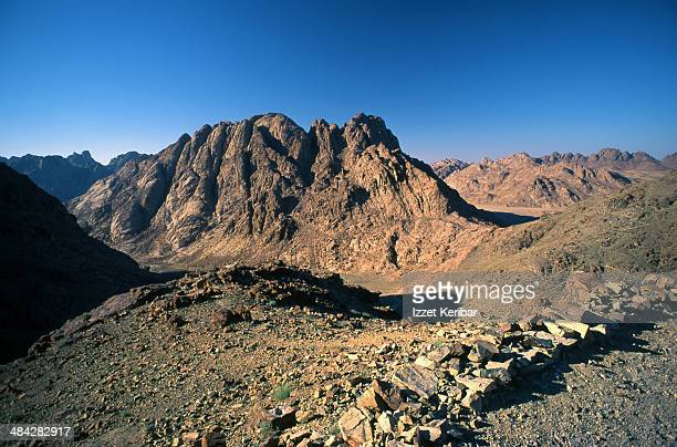 rugged, wild landcapes of the sinai - mt sinai stock photos and pictures