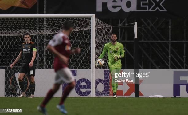 Rui Patricio of Wolverhampton Wanderers in action during the Group K UEFA Europa League match between SC Braga and Wolverhampton Wanderers at Estadio...
