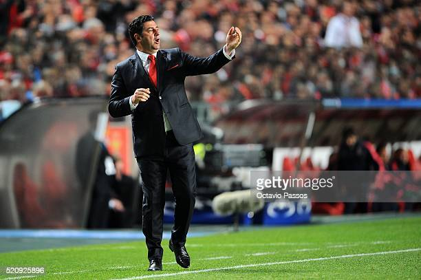 Rui Vitória SL Benfica coach reacts during the UEFA Champions league Quarter Final Second Leg match between SL Benfica and FC Bayern Muenchen at...