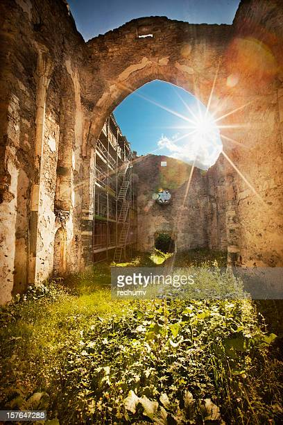 In rovina Chiesa di San Guadenzio