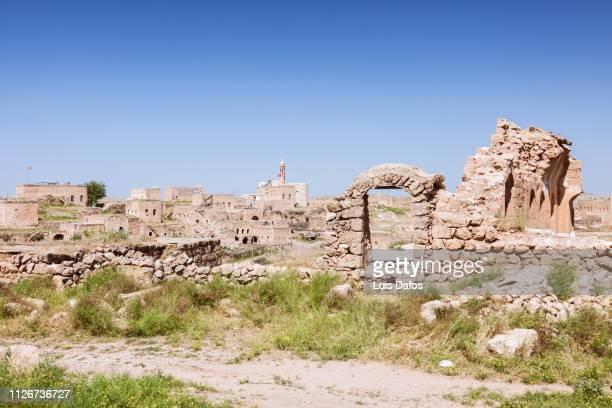 ruined church - イラク ストックフォトと画像