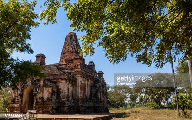 ruined temple at bagan in the mandalay region of myanmar - peter adams stock pictures, royalty-free photos & images