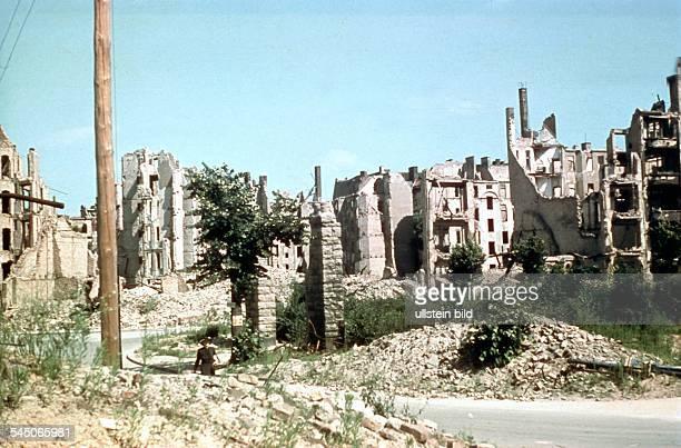 Ruins at Bayerischer Platz in Berlin Schoeneberg - 1945Picture: Wolf Lange