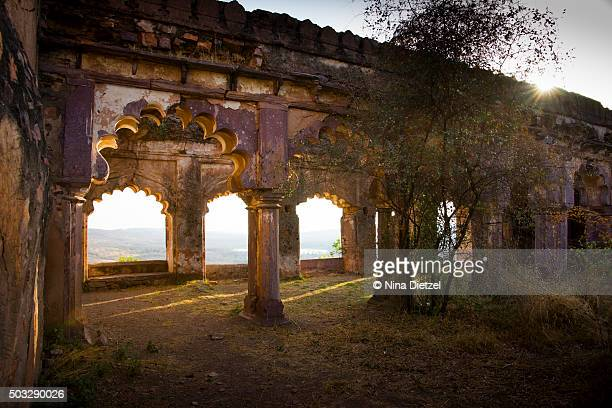 ruins at ranthambore fort at sunrise - ranthambore national park stock pictures, royalty-free photos & images