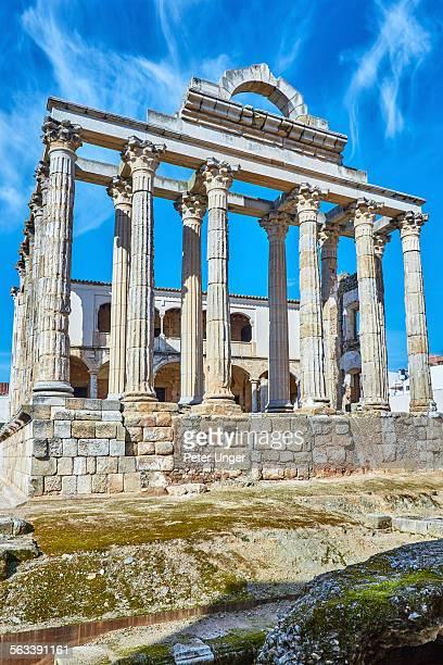 ruins of dianas temple, merida - estremadura stock-fotos und bilder