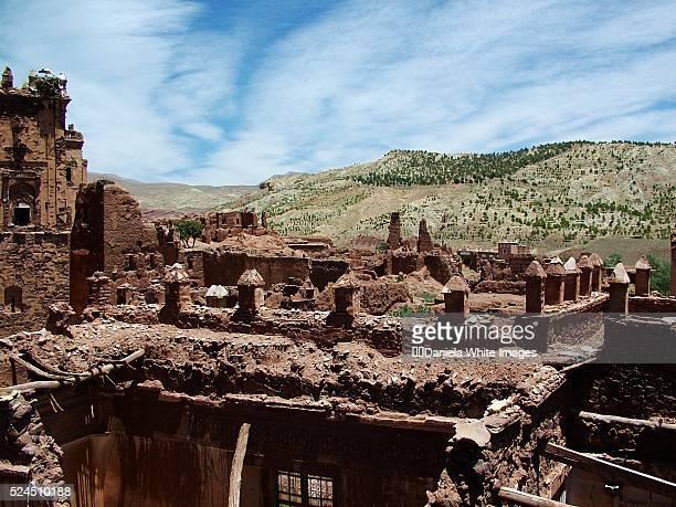 ruins of glaoui kasbah - telouet kasbah photos et images de collection