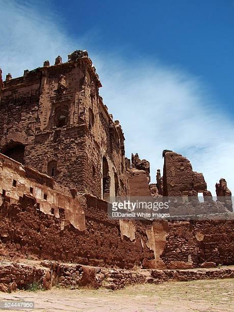 ruins of glaoui palace - telouet kasbah photos et images de collection