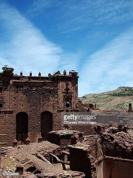 ruins of glaoui palace, telouet - telouet kasbah photos et images de collection