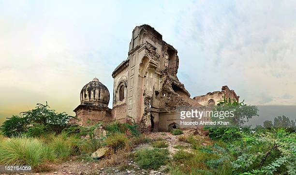 ruins of gurdwara - sikh stock pictures, royalty-free photos & images