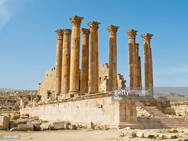 ruines de jarash, jordanie - zeus photos et images de collection