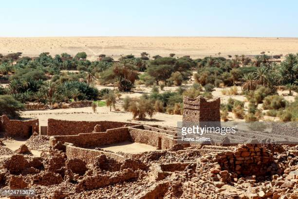 Ruins of Ksar al Kiali with the old mosque in the town of Ouadane (Unesco world heritage), Mauritania