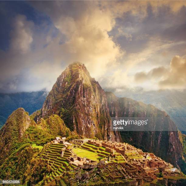 ruins of machu picchu in peru - peru stock pictures, royalty-free photos & images