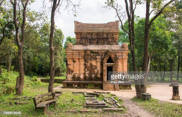 ruins of my son sanctuary, unesco world heritage site, hoi an, quang nam, vietnam, indochina, southeast asia, asia - old ruin stock photos and pictures