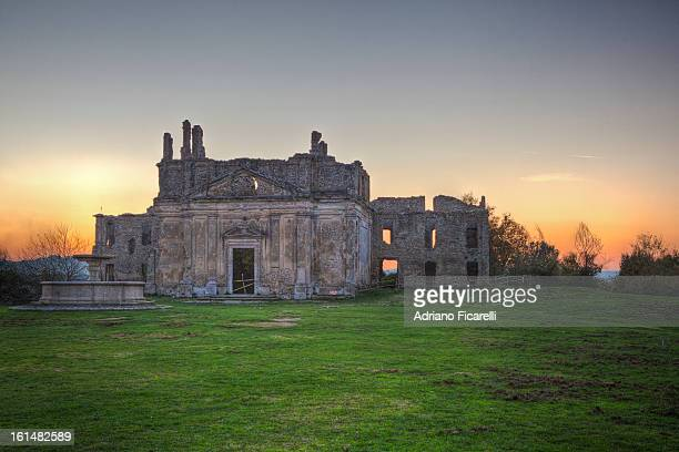 ruins of old monterano at sunset - adriano ficarelli stock pictures, royalty-free photos & images