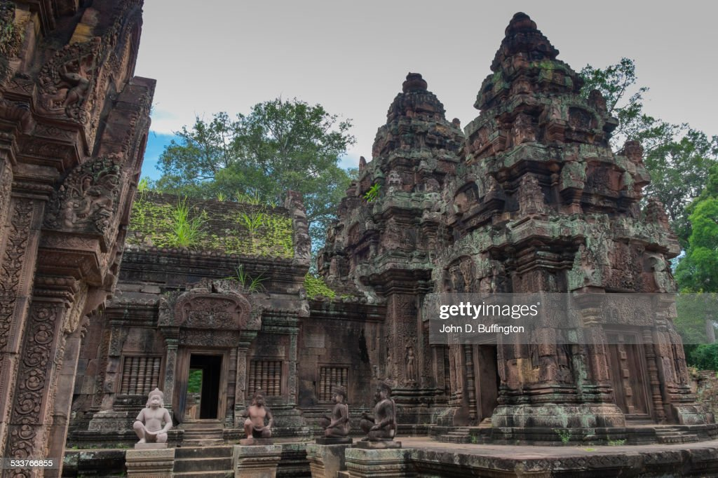 Ruins of ornate stone temple, Angkor, Siem Reap, Cambodia : Foto stock