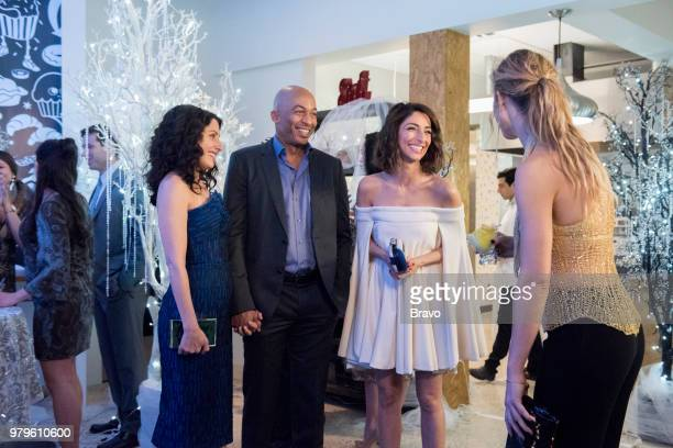 GIRLFRIENDS' GUIDE TO DIVORCE Rule Dont Eat the Yellow Snow Episode 502 Pictured Lisa Edelstein as Abby McCarthy James Leasure as Coach Brady Necar...