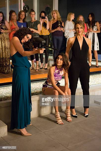 GIRLFRIENDS' GUIDE TO DIVORCE 'Rule Know When It's Time To Move On' Episode 113 Pictured Lisa Edelstein as Abby Necar Zadegan as Delia Beau Garrett...