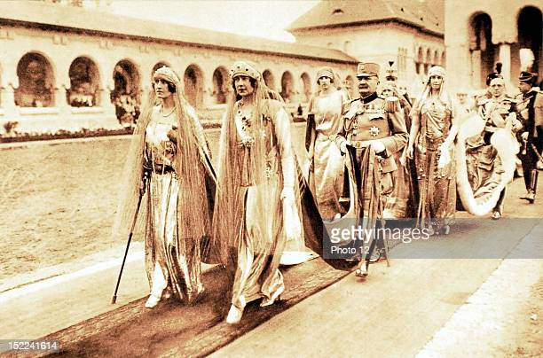 Rumania, October 15 Coronation of the sovereigns of Great Rumania, At Alba Julia, Queen Elisabeth of Greece and Queen Marie of Serbia are leaving the...