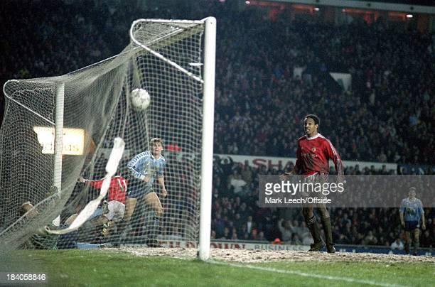 Rumbelows Cup Semi-Final Manchester United v Middlesbrough, Paul Ince looks on as Ryan Giggs scores a goal for United.
