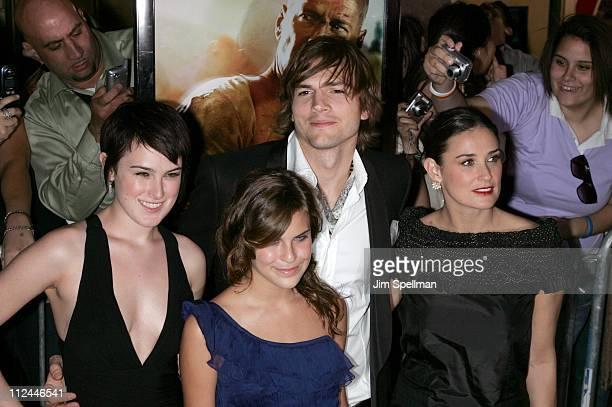 Rumer Willis, Tallulah Willis, Ashton Kutcher and Demi Moore