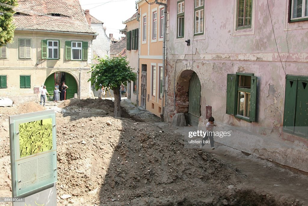 Sibiu Rumänien rumänien sanierung in der altstadt sibiu pictures getty images