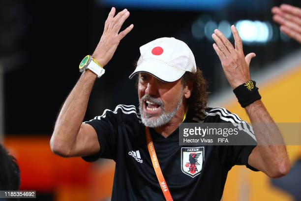 Run Ramos headcoach of Japan gestures during the FIFA Beach Soccer World Cup Paraguay 2019 quarter final match between Japan and Uruguay at Estadio...