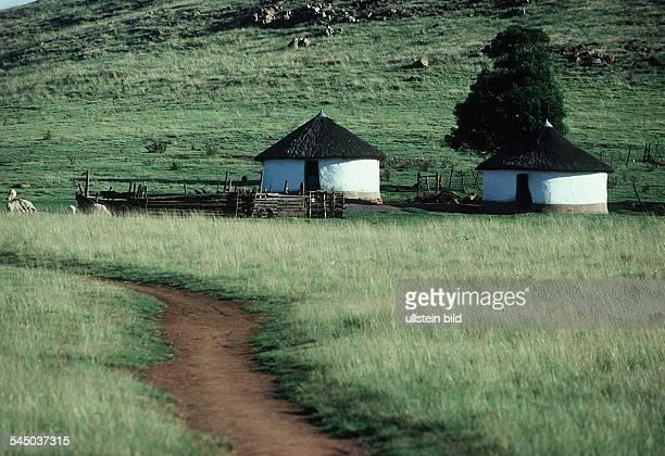 Rundhütten in der Transkei- 1990