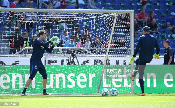 Rune Almenning Jarstein and goalkeepertrainer Zsolt Petry of Hertha BSC before the Bundesliga game between Hannover 96 and Hertha BSC at HDI Arena on...