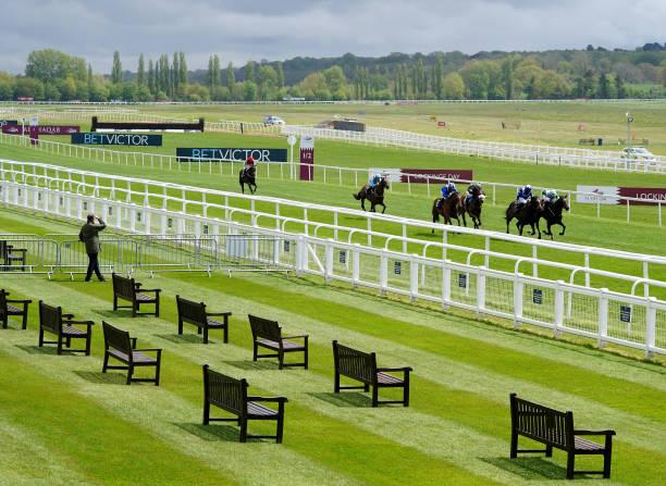 GBR: Newbury Races