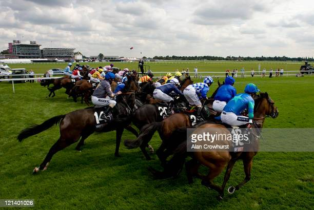 42 The Sky Bet Mobile Pictures, Photos & Images - Getty Images