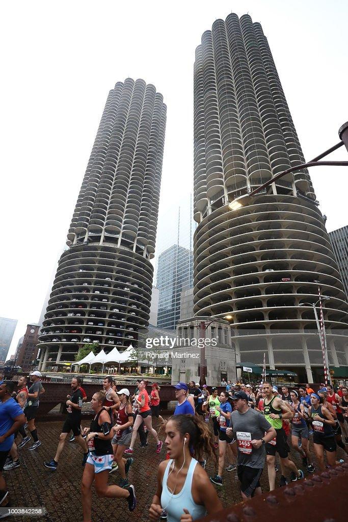 """Humana Rock """"n"""" Roll Chicago - Marathon & Half Marathon"""