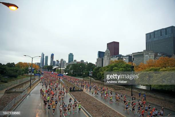 Runners kick off the 2018 Bank of America Chicago Marathon on October 7 2018 in Chicago Illinois