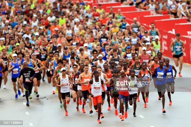 Runners kick off the 2018 Bank of America Chicago Marathon on October 7 2018 in Chicago Illinois Mo Farah of Great Britain won finishing in 20511