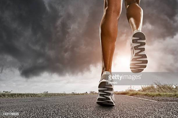 runners legs - human limb stock pictures, royalty-free photos & images